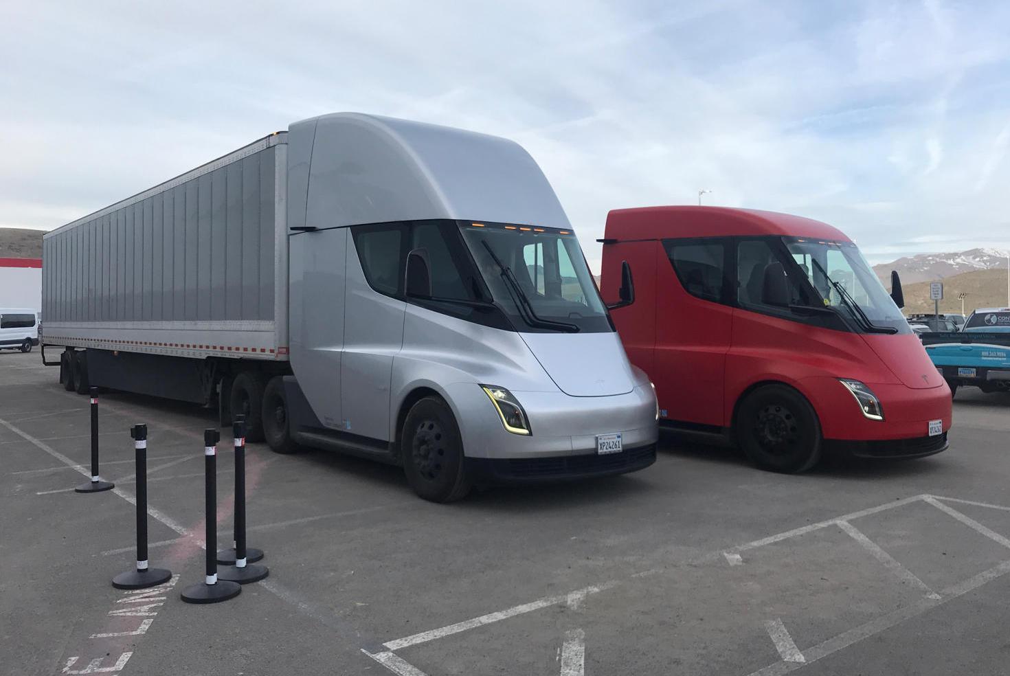 Tesla is Looking to Launch its 'Semi Service Program'